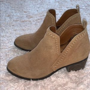 Brown suede ankle boots!